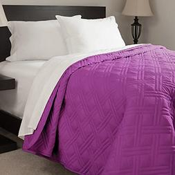 Lavish Home Solid Color Purple queen Bed Quilt