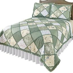 Maya Reversible Patchwork Quilt with Ruffled Edge