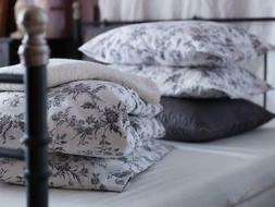 IKEA White and Grey Queen/Full Duvet Cover and 2 Pillow Case